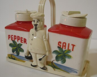 Vintage Miami Florida souvenir salt and pepper shakers - 1940s chef Dapol hard plastic
