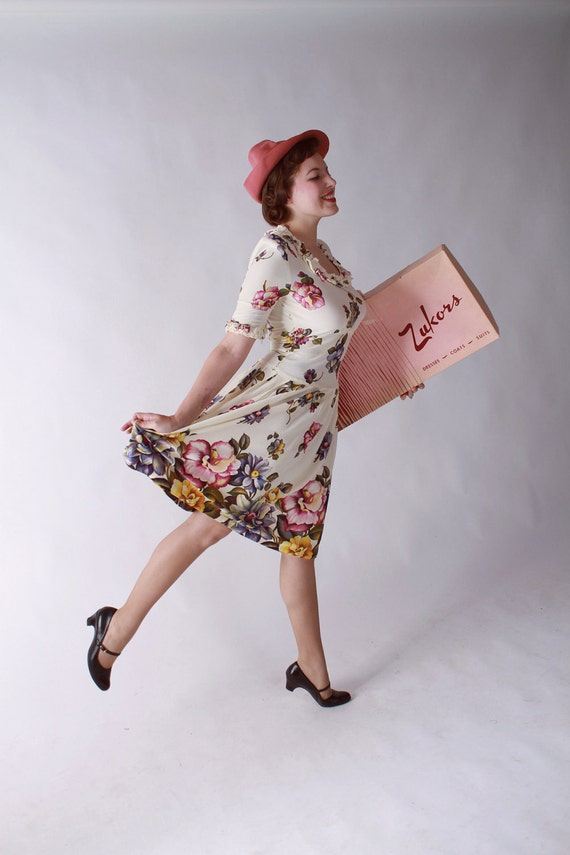 Vintage Late 1930s Rayon Jersey Dress in a Soft Floral Print