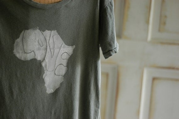 Large Green and White Women's Africa Love T-Shirt
