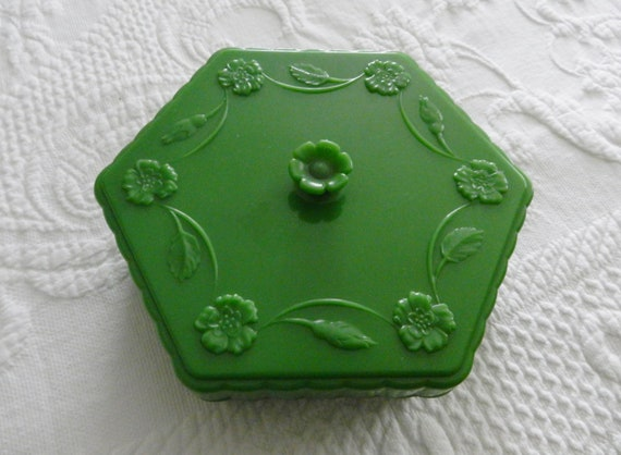 Vintage Bakelite Powder/Trinket Box