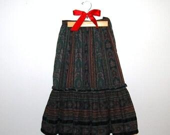 SALE........Vintage Peasant Skirt