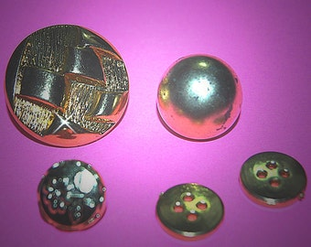 Vintage 5 Gold Plated Metalicized Buttons H1R 3