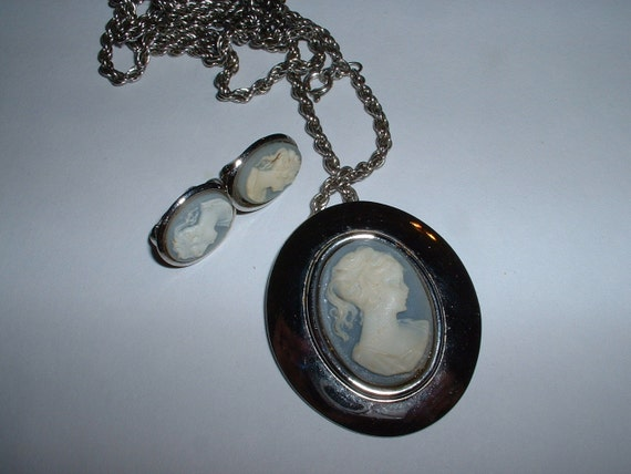 Vintage Blue and White Cameo Clipon Earrings and Large Oval Pendant Necklace Silvertone