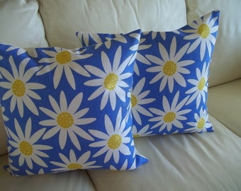 Pair Pillow Covers Mod Daisies 18 x 18 Throw Pillow Cover Set of 2