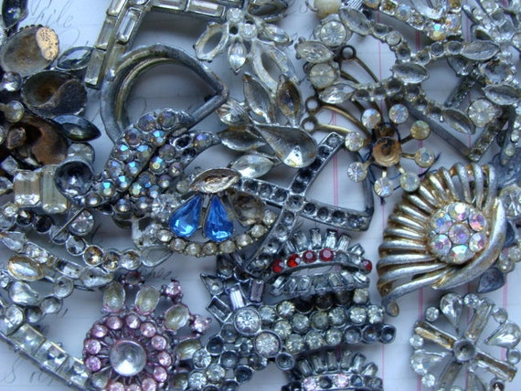 Antique Rhinestone Paste Mixed Jewelry 26pcs N0 40