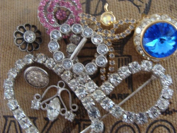 Gorgeous Vintage Rhinestone Scatter Pin Lot 38