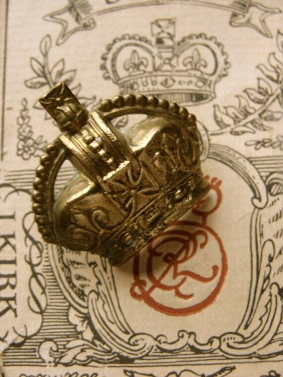 Antique Brass 1922 Crown Badge