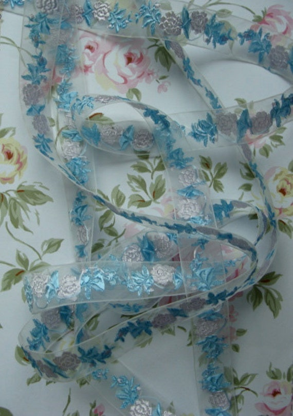 1940s Antique Sheer French Embroidered pale Pink Roses trim.