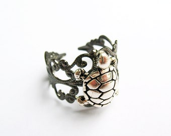 Cool Turtle Ring  - Gunmetal Vintage-Style Filigree Ring with Antiqued Silver Turtle Charm, Adjustable