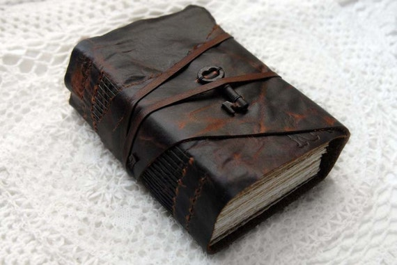 The New York Book - Distressed Brown Marbled Leather Journal / Sketchbook with Tea-Stained Watercolor Paper & Vintage Key