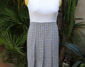 Vintage Houndstooth mini dress grey white hounds tooth checked plaid sleeveless mod go-go front pleats schoolgirl uniform