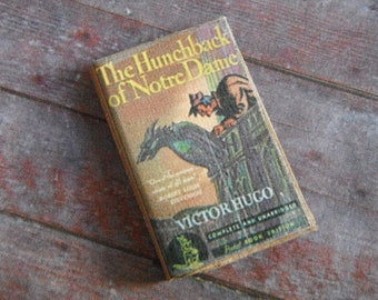 Miniature Book --- The Hunchback of Notre Dame