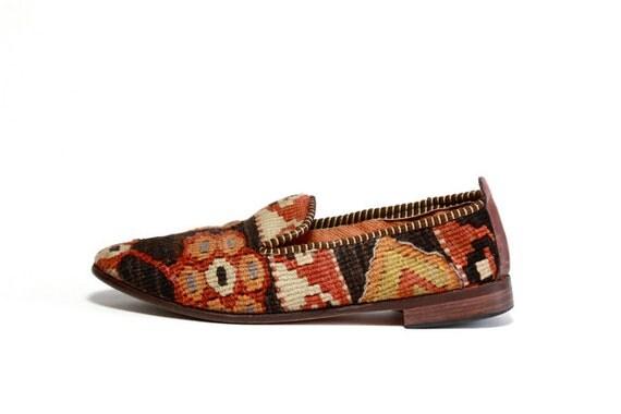 reserved VTG Woven Turkish Kilim Slip On Loafers 7.5