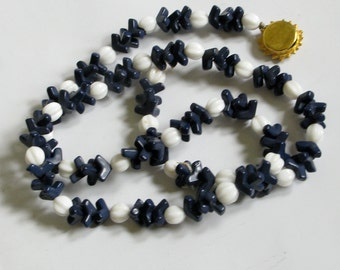 Funky Daisy Clasp Navy and White Vintage Necklace
