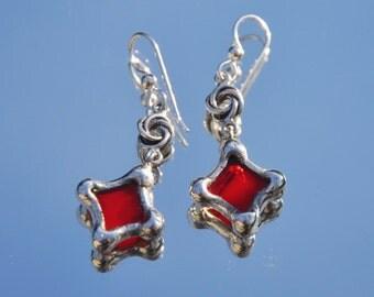 Red glass diamond knot earrings