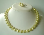 Chunky Pale Yellow Glass Pearl Beaded Necklace Set     Great for Bridesmaid Gifts