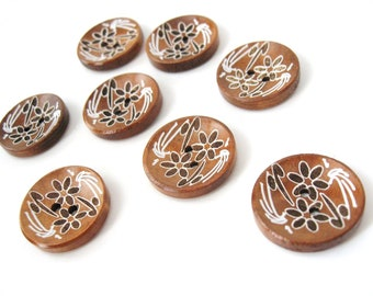 6 brown wooden button - white flowers pattern 23mm  (BB120F)