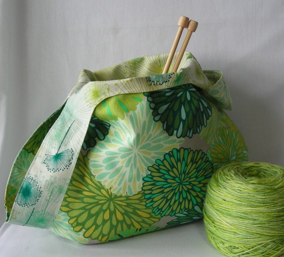Project bag - medium size japanese knot bag - knitting crochet amigurumi - Wrenly fabric moss green - free knitting pattern