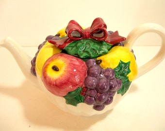 Vintage Fitz And Floyd Omnibus Fruit Wreath Christmas Teapot