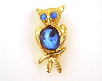 Vintage 1970s Tiny Owl Pin With Blue Eyes and Belly