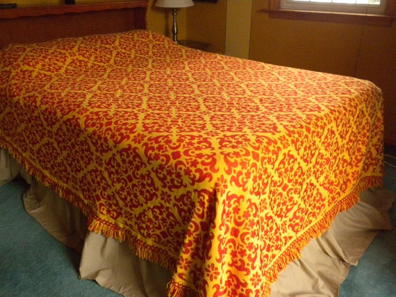 vintage bedspread, red and yellow, with fringe, full or queen size, stunning