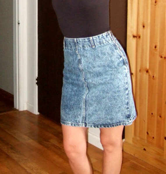 Vintage 80's MIMI Stone Washed High Waisted Jean Skirt...