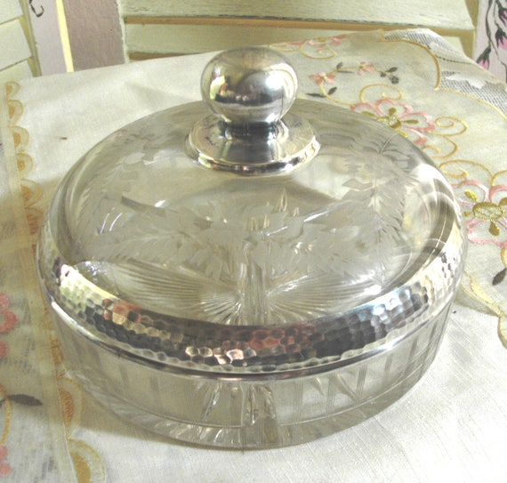 CHIC and So Elegant - Vintage Etched Glass Covered Dish - Vanity Box - Candy Dish - Jewlery Box