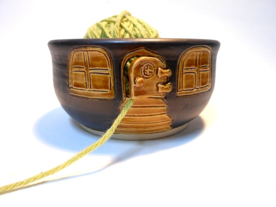 Country Cottage Ceramic Stoneware Yarn Bowl
