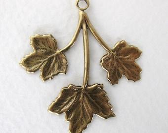 Antiqued Brass Maple Leaves Pendant Drop Vintage Style Leaf Charm 35mm drp0033 (4)