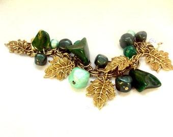 Vintage Drop Bakelite Charm Bracelet