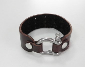 Brown Leather Cuff Leather Bracelet Men Bracelet with Stainless Horse Shoe Clasp