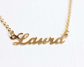 Laura Name Necklace, Laura Name Jewelry, Name Necklace Gold, Laura Gold Jewelry, Retro Name Necklace