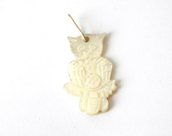 Mother or Pearl //// and sterling silver Owl Pendant