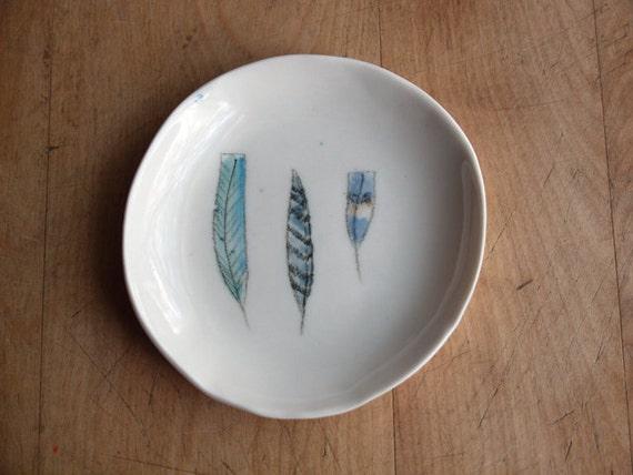 porcelain feather dish . no100