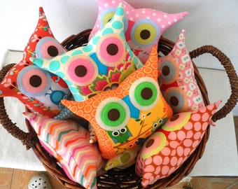 Owl pillow,owl cushion,decoration pillow  /10 pillows owl party favors, gift for children , gift idea