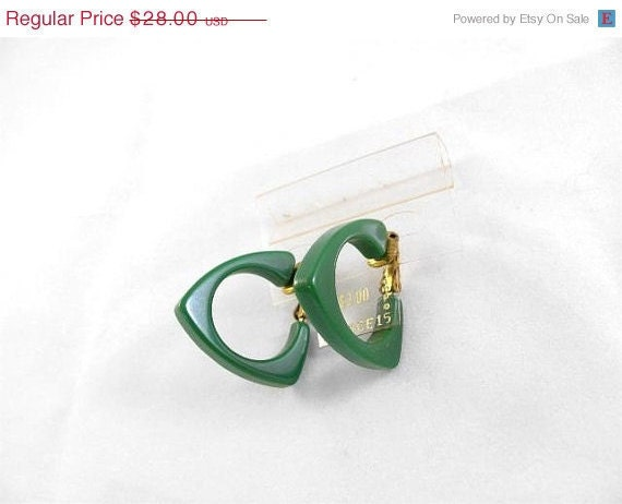 Vintage Green Triangular Bakelite Earrings Clip