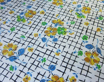 1930s vintage cotton fabric , 36 inches wide , floral feedsack, vintage dressmaking, quilt cotton