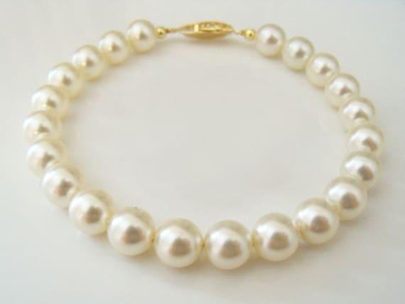 Pearl bracelet bridal Swarovski Cream pearl bracelet 8mm round pearls bridesmaids gift