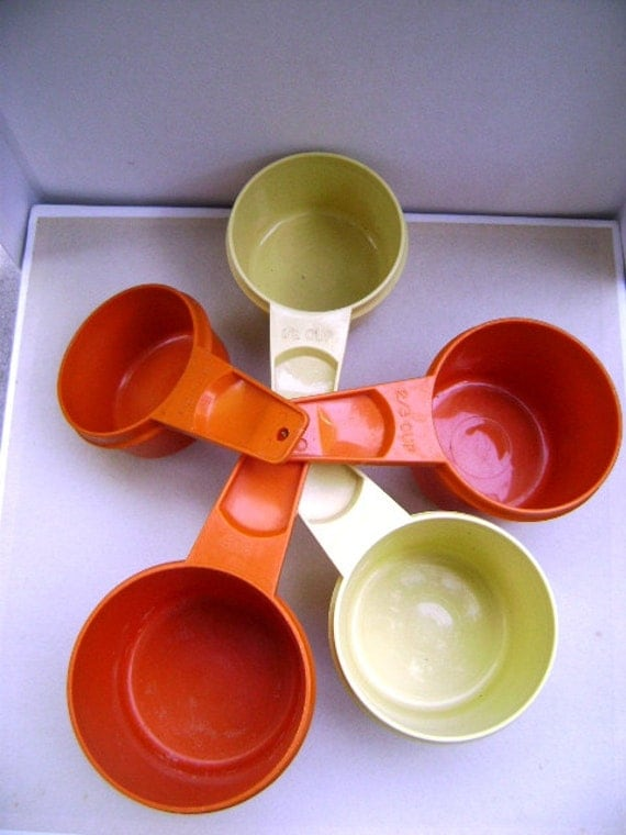 Vintage Tupperware Measuring Cups, 5 Pieces, 1970s, Plastic, Cooking Baking Kitchen, Fall Baking, Orange and Yellow