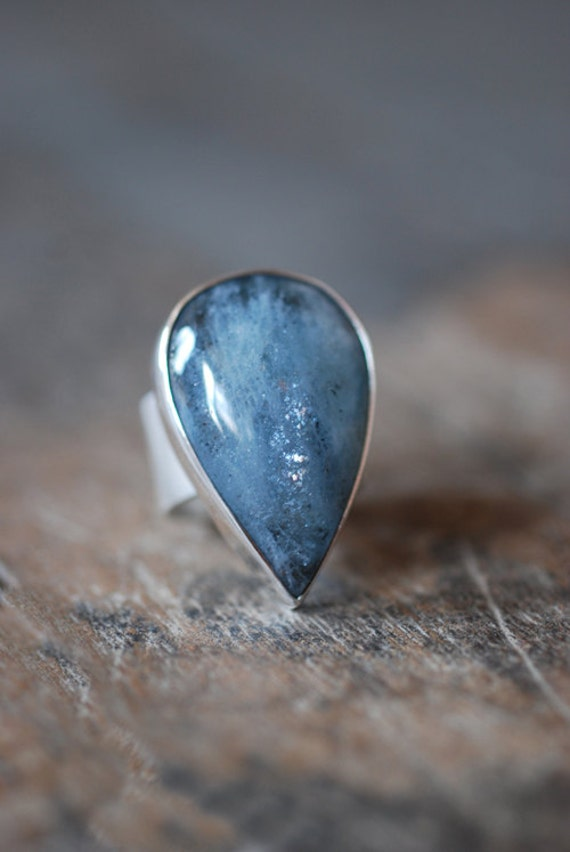 Raindrop Ring Reserved for emovampire