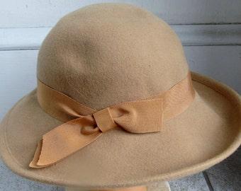 Vintage Wool Felt Tan Wide Brim Hat 22