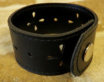 Black Cuff with Eyelet Punches - FREE SHIPPING (G2P243)