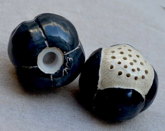 Ceramic Salt and Pepper Shakers. Spice Shaker. SALE. Nature Inspired. Black and White Seed Pods. Hand Built Pottery. Handmade Ceramics.