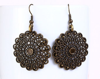 Antique brass round filigree dangle earrings (545) - Flat rate shipping