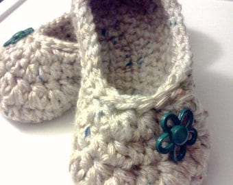 Women's Crochet Oatmeal Slippers | Oatmeal Crochet Slippers | Hand Crochet Slippers | House Shoes | Crochet Booties | Slippers