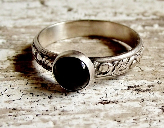 Black Onyx Ring, Sterling Silver, Gemstone Ring, Embossed leaf Band, Black Stacking Ring for Women