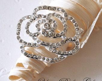 Rhinestone Brooch Crystal Brooch Bridal Brooch Bouquet Hair Comb Shoe Clip Wedding Cake Decoration Invitation DIY Supply BR020