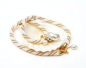 White and Gold  Beaded Necklace With Pearl Pendant
