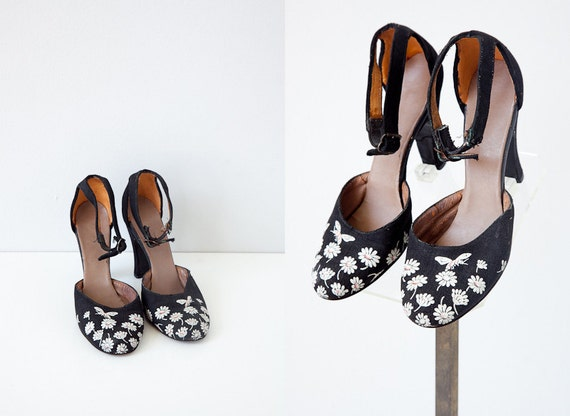 vintage shoes / vintage 1950s heels / vintage 1950s shoes