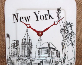 New York Skyline Wall Clock in Black and White with Statue of Liberty - Plate Clock - Small Clock - 1427